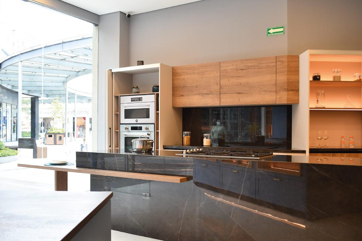 Galería 1 De Ikarus